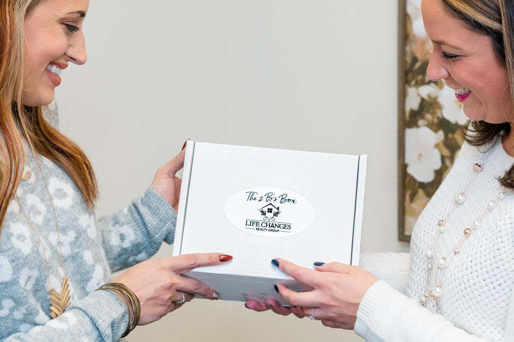 Sharing gift with buyers and sellers